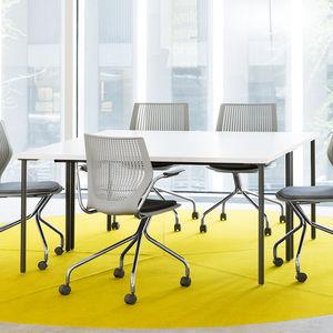 table de réunion contemporaine / contreplaqué / en stratifié / avec piètement en acier