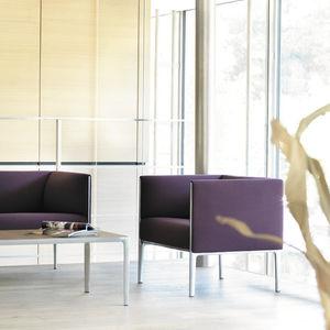 fauteuil visiteur contemporain / en tissu / en cuir / aluminium