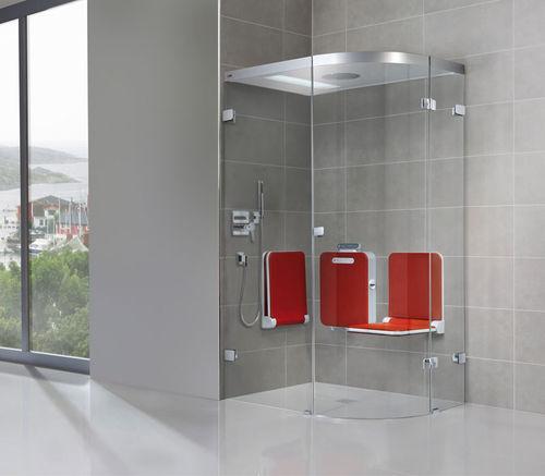 douche à vapeur / en verre / en niche / avec porte battante