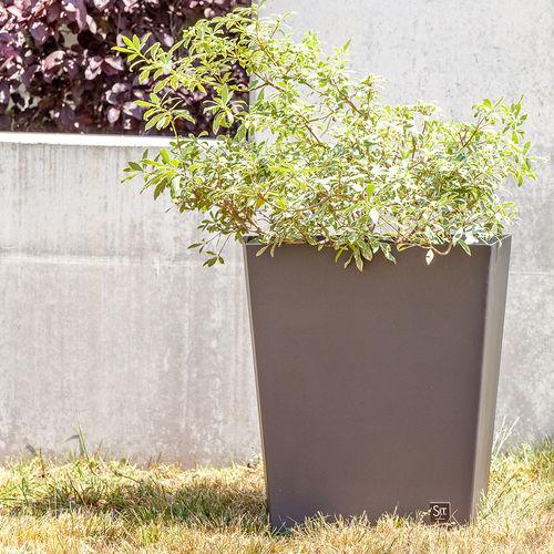 pot de jardin en fer