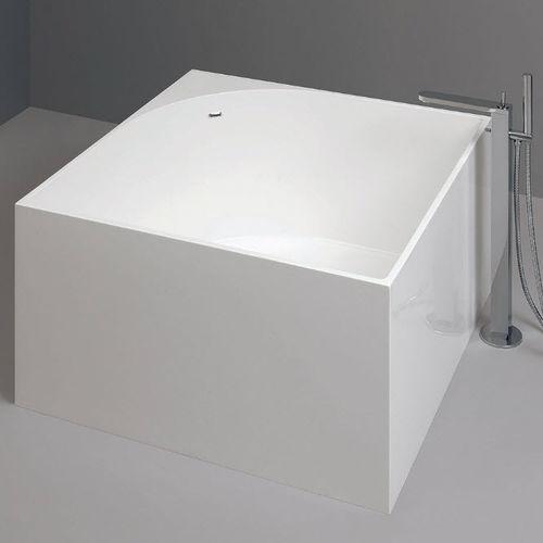 baignoire à poser / carrée / en acrylique