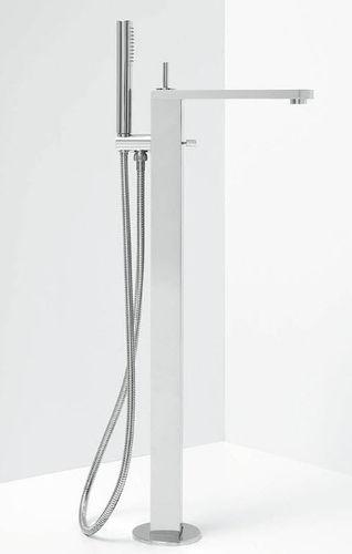 mitigeur pour baignoire / au sol / en métal / 1 trou