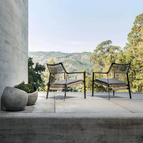 chaise de jardin contemporaine