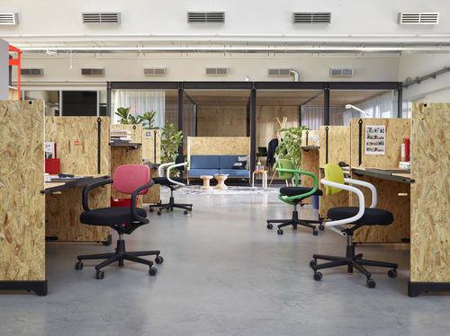 bureau en plaqué bois / contemporain / professionnel / à hauteur réglable