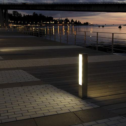 borne d'éclairage urbaine