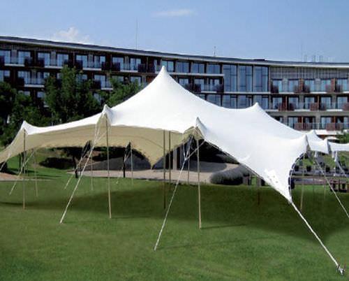 structure tendue câble-membrane / pour couverture / avec membrane en polyester / pour le secteur événementiel