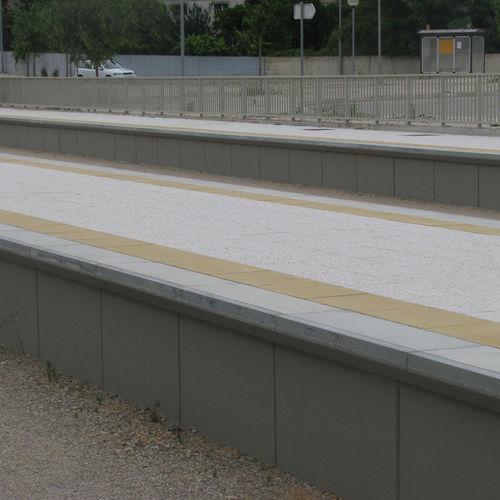 mur de soutènement en béton armé / préfabriqué / pour chemin de fer