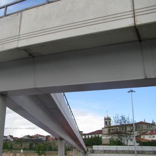 poutre préfabriquée / en béton armé / rectangulaire / pour construction de pont