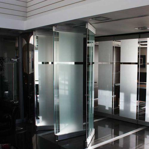 cloison pliante / en aluminium / en verre / à usage professionnel