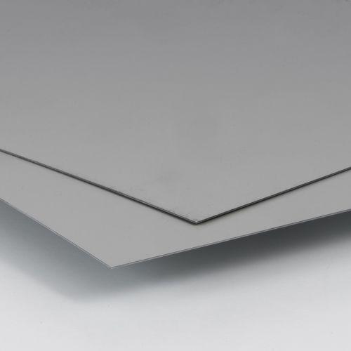 tôle métallique plate
