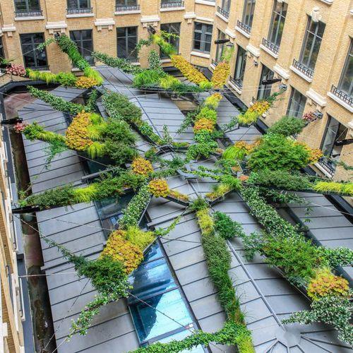 toit-terrasse végétalisée suspendu