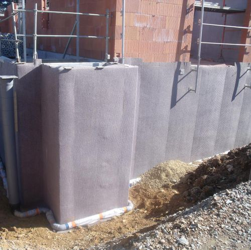 nappe drainante en polypropylène / de protection / d'étanchéité / pour paroi verticale enterrée