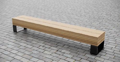 banc public / contemporain / en bois de feuillus / en métal