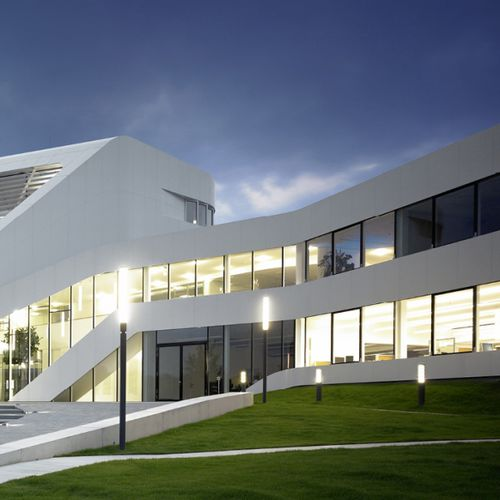 colonne lumineuse design minimaliste / en inox / en fonte d'aluminium / à LED