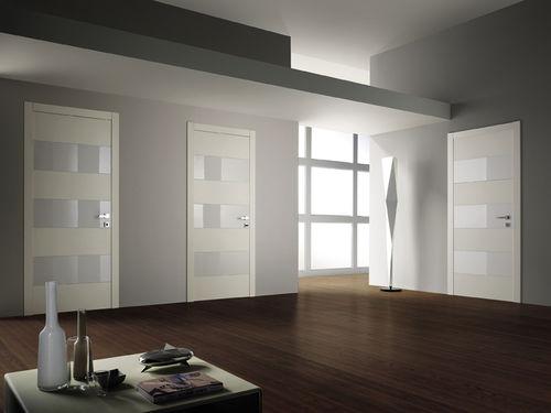 porte d'intérieur / battante / en bois / affleurante