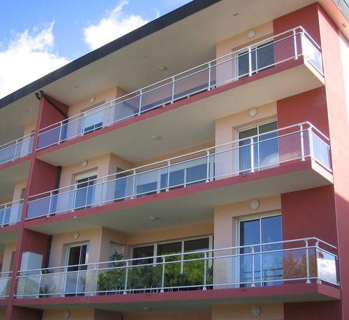 balcon à panneaux en verre / en aluminium anodisé