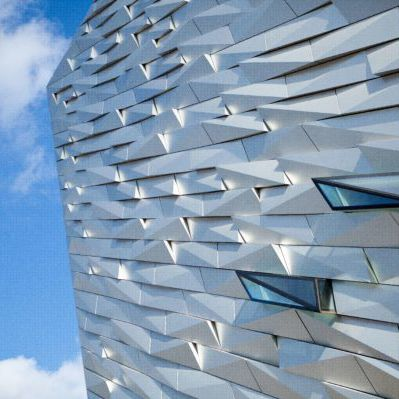 façade ventilée en aluminium anodisé