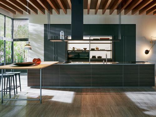 cuisine contemporaine / en Fenix NTM® / en Corian® / en aluminium
