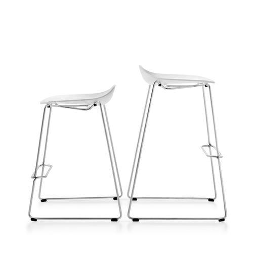 chaise de bar design / tapissée / avec repose-pieds / luge