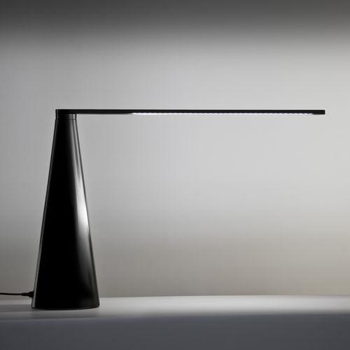 lampe de table / contemporaine / en aluminium peint / réglable