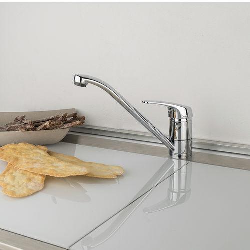 mitigeur en métal chromé / de cuisine / 1 trou / à bec orientable