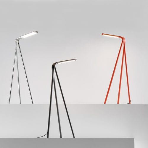 lampe de table / design minimaliste / en acier à revêtement par poudre / en acier chromé