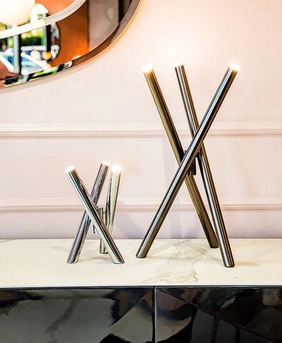 lampe de table / contemporaine / en métal peint / en acier poli