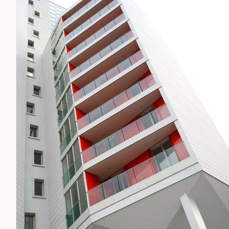 balcon à panneaux / en verre