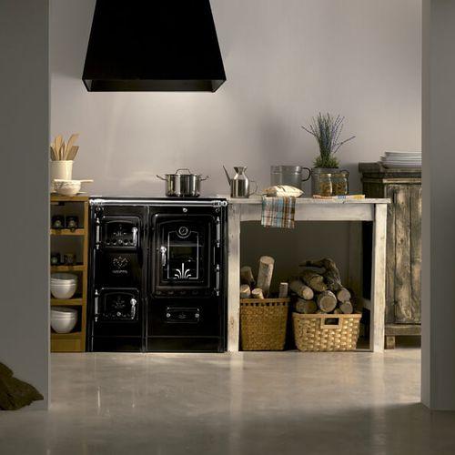 cuisinière à bois / en fonte
