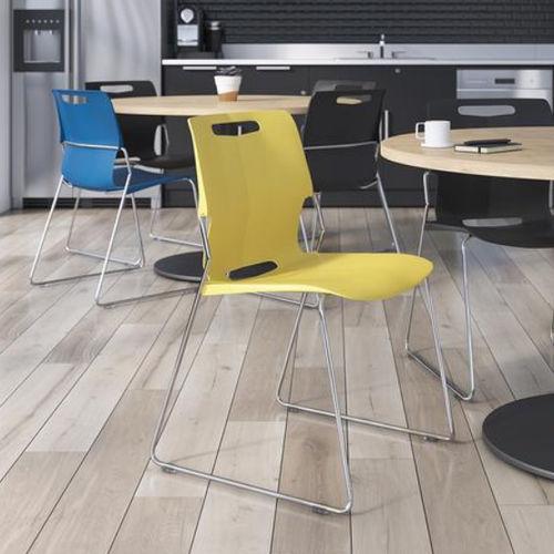 chaise visiteur contemporaine / avec accoudoirs / luge / en polypropylène