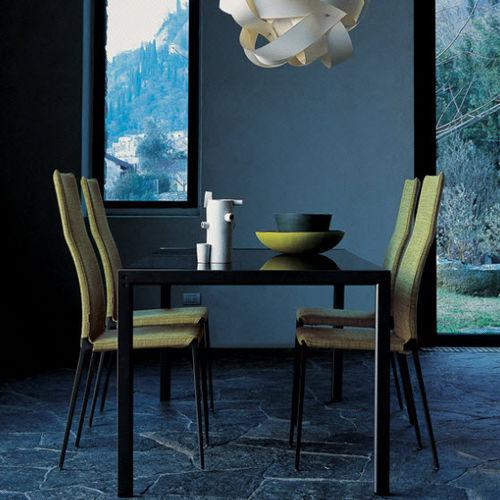 chaise contemporaine / tapissée / avec revêtement amovible / en tissu