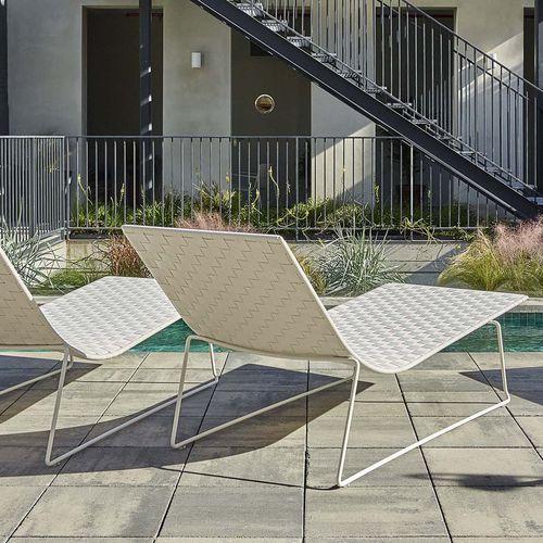 bain de soleil contemporain / en métal / pour espace public / par Studio Lievore Altherr Molina