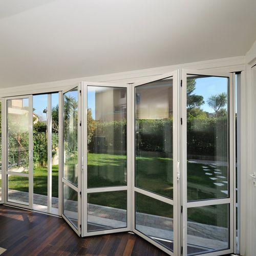 baie vitrée coulissante-empilable / pliante / en aluminium / à double vitrage