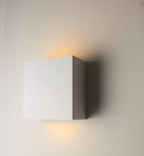 applique murale contemporaine / en aluminium / halogène / carrée
