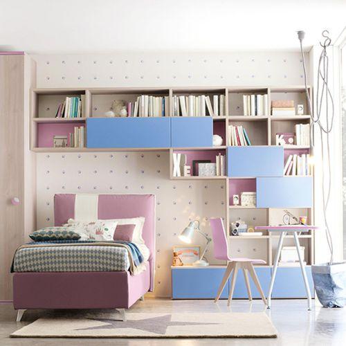 chambre d'enfant violette / bleue / en bois laqué / mixte