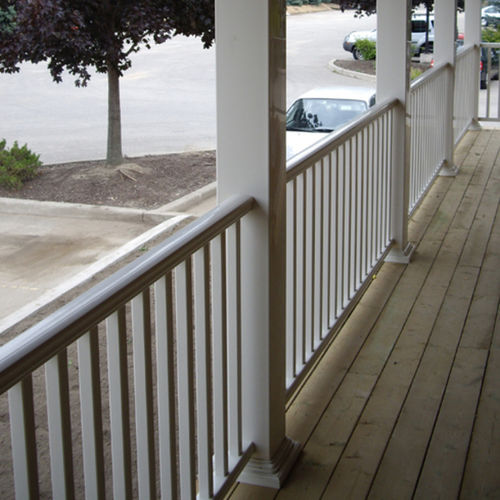 garde-corps en vinyle / à barreaux / d'extérieur / pour escalier