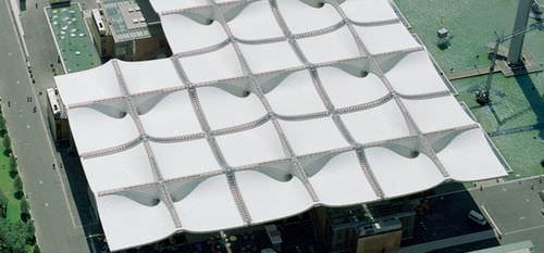 structure tendue sur ossature métallique / pour couverture / avec membrane en ETFE / pour le secteur événementiel