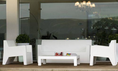 table basse contemporaine / en polyéthylène / rectangulaire / carrée