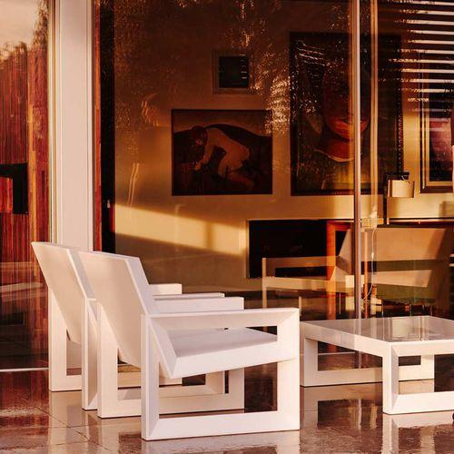 fauteuil contemporain / en polyéthylène / empilable / 100% recyclable