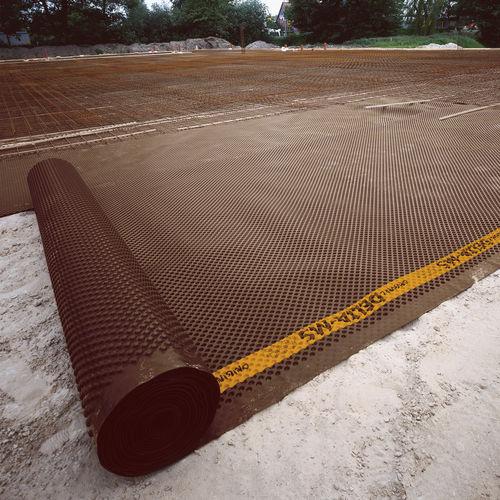 nappe drainante à excroissance / en polyéthylène haute densité PEHD / de protection / pour drainage horizontal