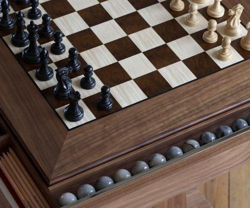 table d'échecs contemporaine