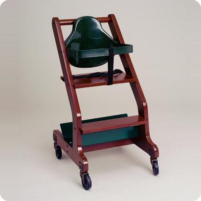 chaise haute à roulettes