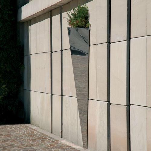 jardinière en acier inoxydable / en acier COR-TEN® / verticale / triangulaire