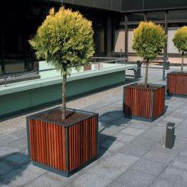 jardinière en acier galvanisé / en bois / carrée / classique