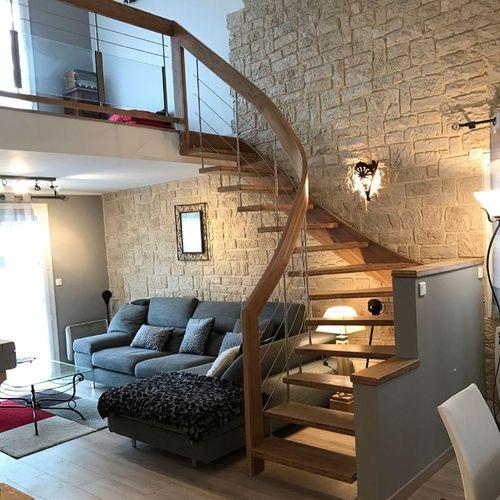 escalier quart tournant / structure en bois / marche en bois / sans contremarche