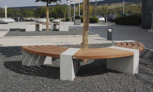 banc public / contemporain / en bois exotique / en béton