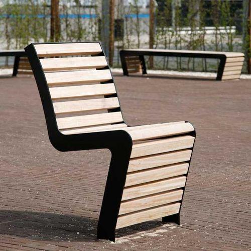 chaise contemporaine / en bois / en acier / d'extérieur
