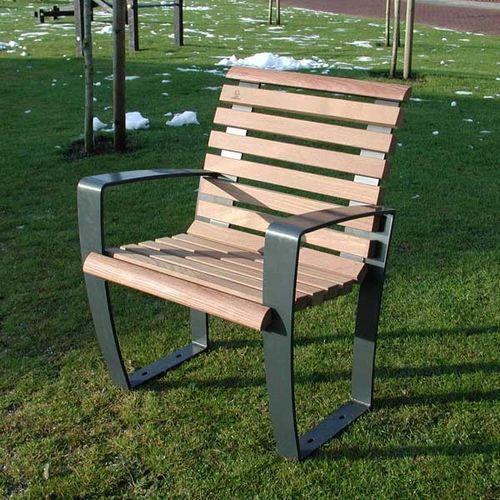 fauteuil urbain en bois