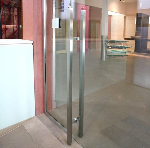 poignée de tirage pour porte en verre / en inox / contemporaine / avec serrure intégrée