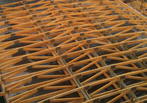 ferme de toit en bois
